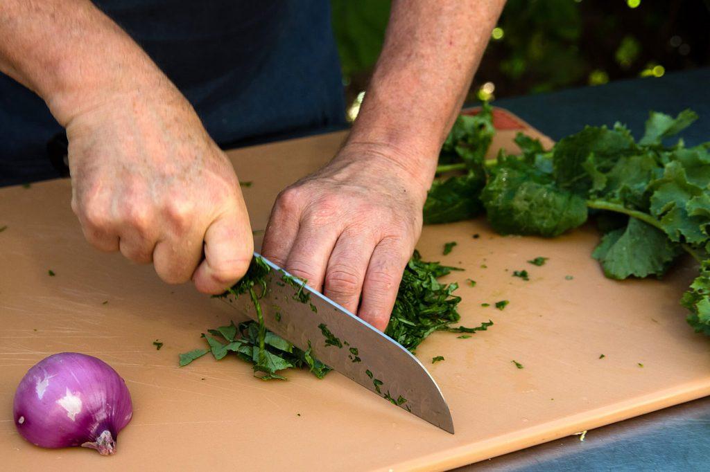 Chiffonading the kale