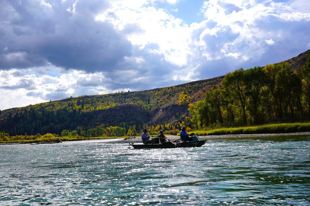 Snake River traffic