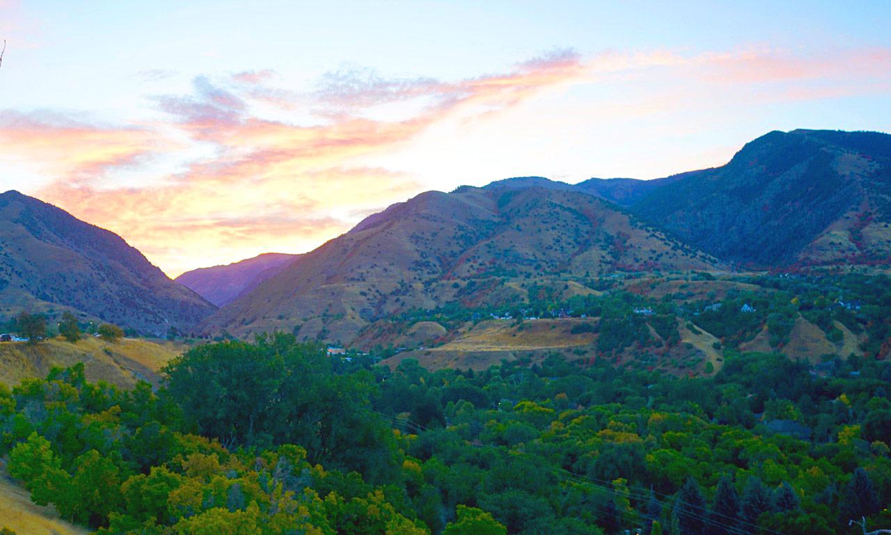 Sunrise over the Logan Canyon in Utah | 9.24.18